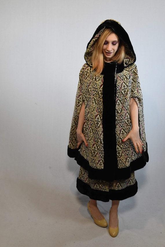 Vintage Cloak and Skirt Set - image 7
