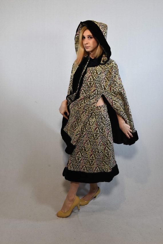 Vintage Cloak and Skirt Set - image 4