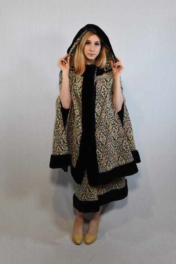 Vintage Cloak and Skirt Set - image 1