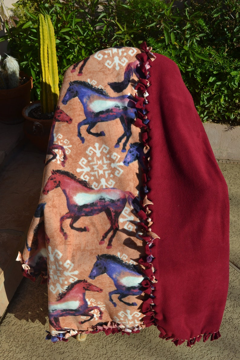 Realistic Watercolor Horse No-Sew Fleece Blanket