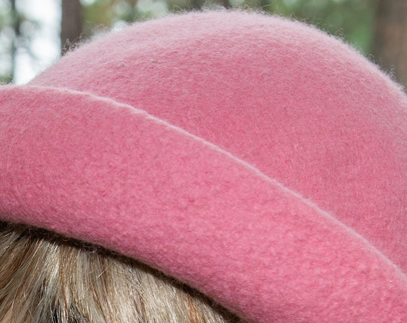Felted Hat,Bowler Hat,Felt Hat,1920's Hat,Pink Hat,Cloche,FeltedWoolHat,Handmade,Gift,Black hat,Downton Abbey,gift for her,Wool Hat