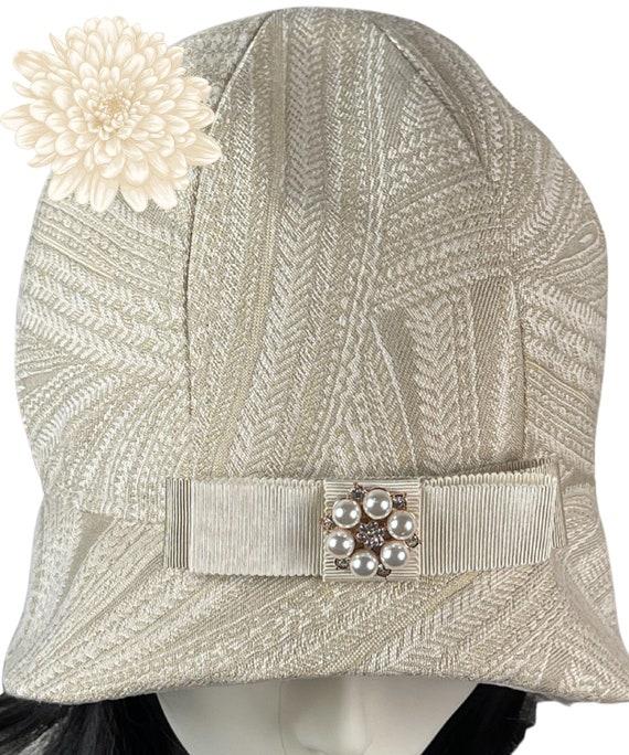 Beige Cloche Hat,1920's Fashion,Cloche Hats - Gatsby Hat - Custom Hat - Ladies Cloche Hat - 1920's Headware - Ladies Cloche Hat - 1920's Hat