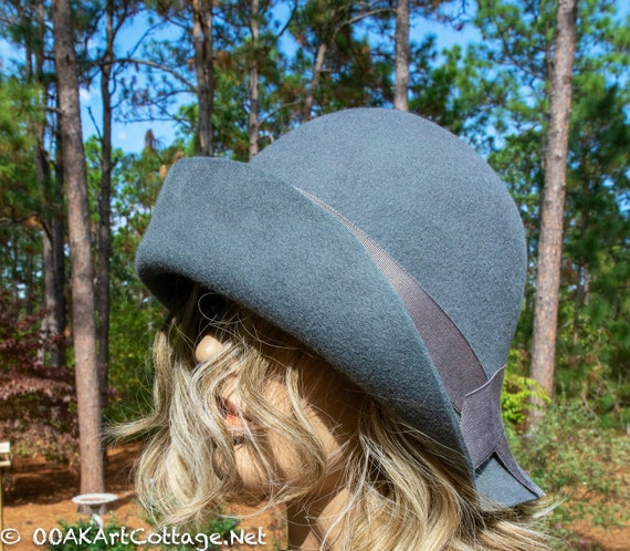 Cloche Hat,Flapper Hat,Felt Hat,1920's Hat,Flapper Hat ,Cloche,Downton Abbey Hat,Handmade,Felt Hat, Black hat,Downton Abbey,Felted Hat,Wool