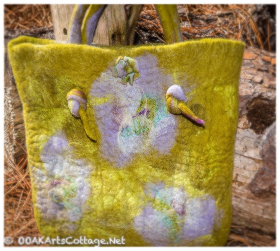 Felted Bag,Tote,Gift for Her,Purse,CrossbodyBag,Bag,ShoulderBag, personalized gift, Wool,Art,Gift,Tote,Boho, best friendgift,gift for sister