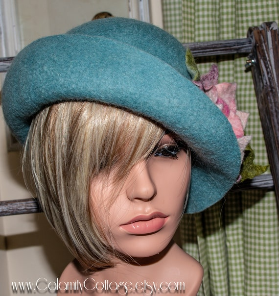 Felted Wool, FeltedHat , FeltedCloche , 1920'sClocheHat, FeltedHatWomen's , Cloche, FeltedWoolHat, Handmade Felt Hat Women's, black ,