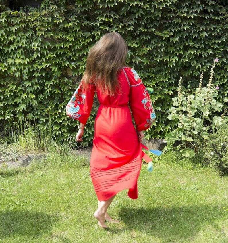 Leinen bestickt Kleid Vögel Maxi rot ukrainische | Etsy