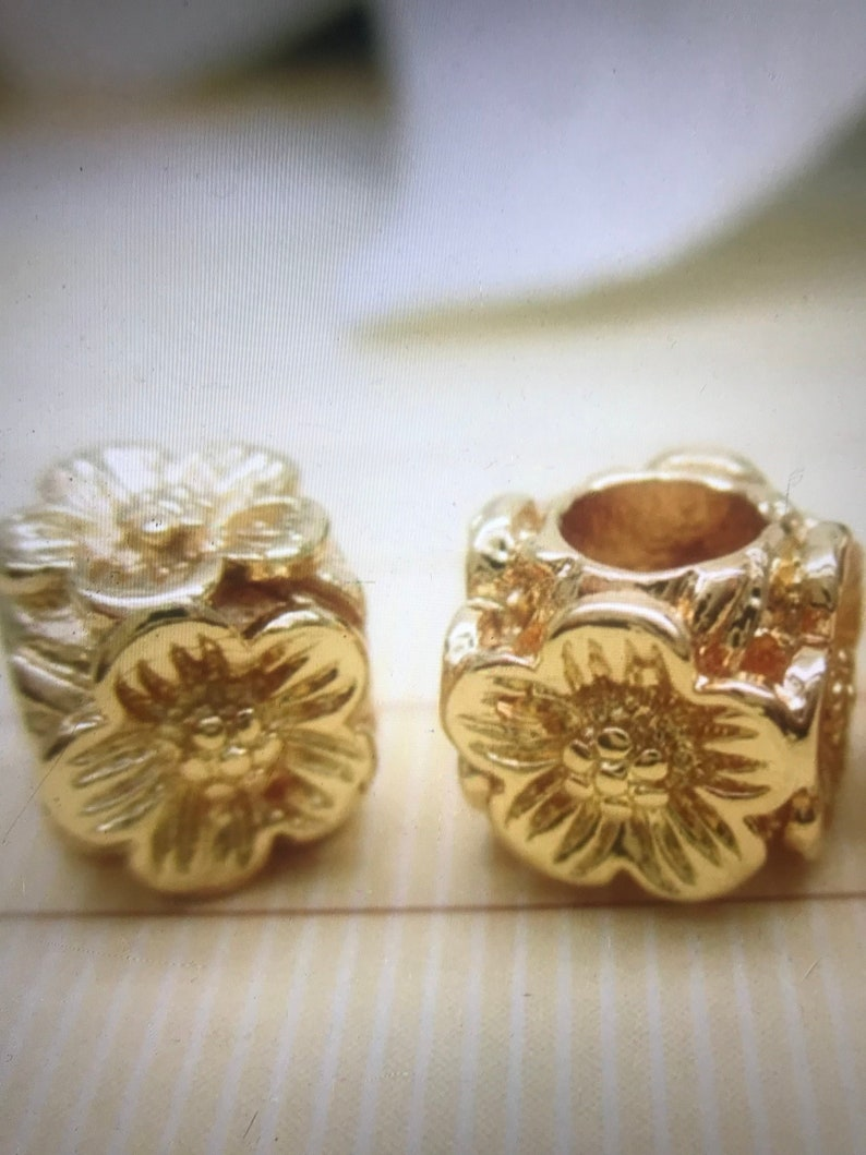 High Quality 24k Gold Plated Flower Spacer Beads 7.4*6.7mm