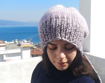 d0934ab4a1a Hand knitted women s beret with batik design yarn made of light gray