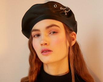 39f78560498 Leather beret