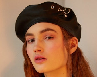 3e85e3ad1ffbe Black leather beret