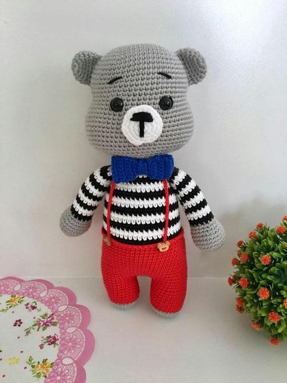 Crochet teddy bear with Christmas gift | Crochet teddy bear ... | 760x570