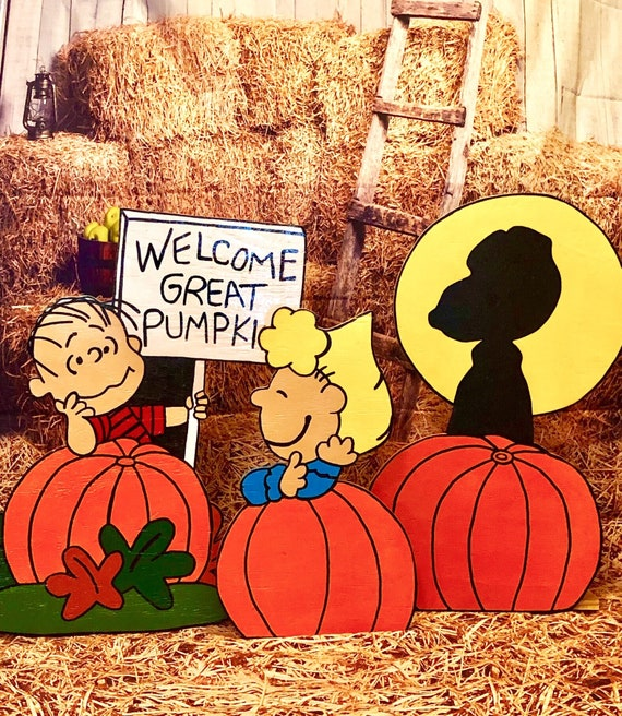 Charlie Brown Halloween Lawn Decorations  from i.etsystatic.com