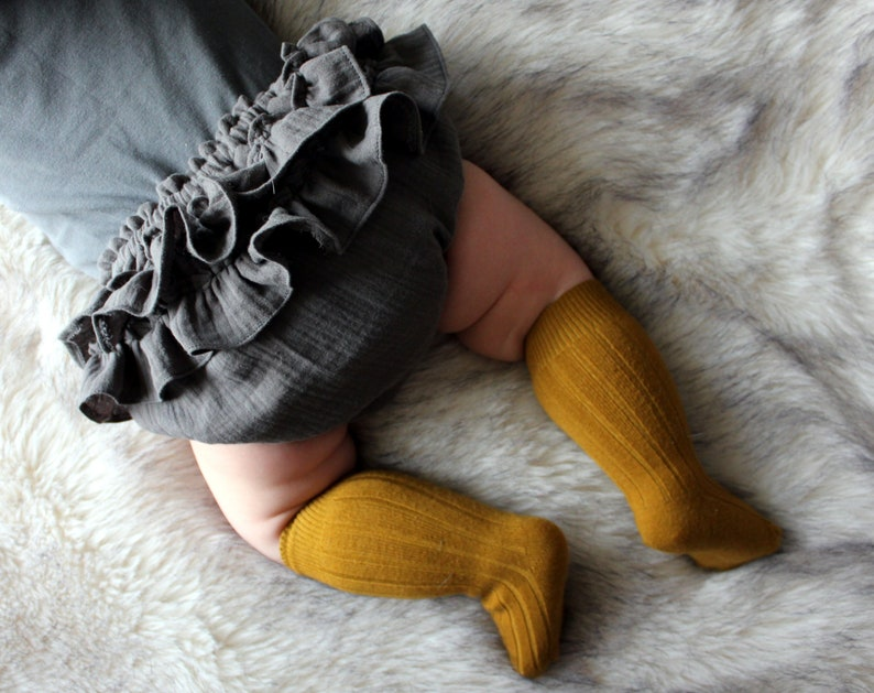 Gray double gauze frill baby bloomers image 0