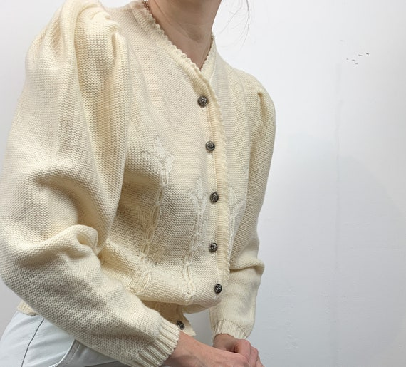 Cardigan with puff sleeves beige