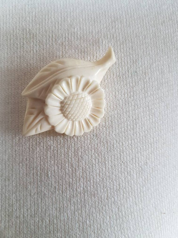Amazing floral early creamcolored celluloid  brooc
