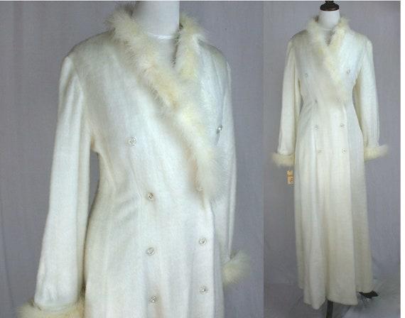 Vintage large white coat, 70s faux fur robe, Odett