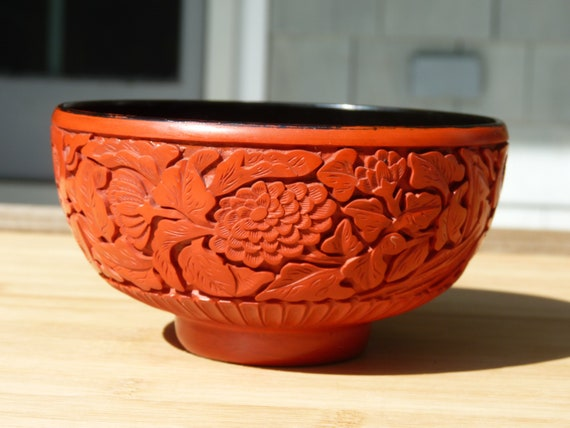 big-20th Century Carved Cinnabar Ashtry  Black /& Red  TOP /& RARE