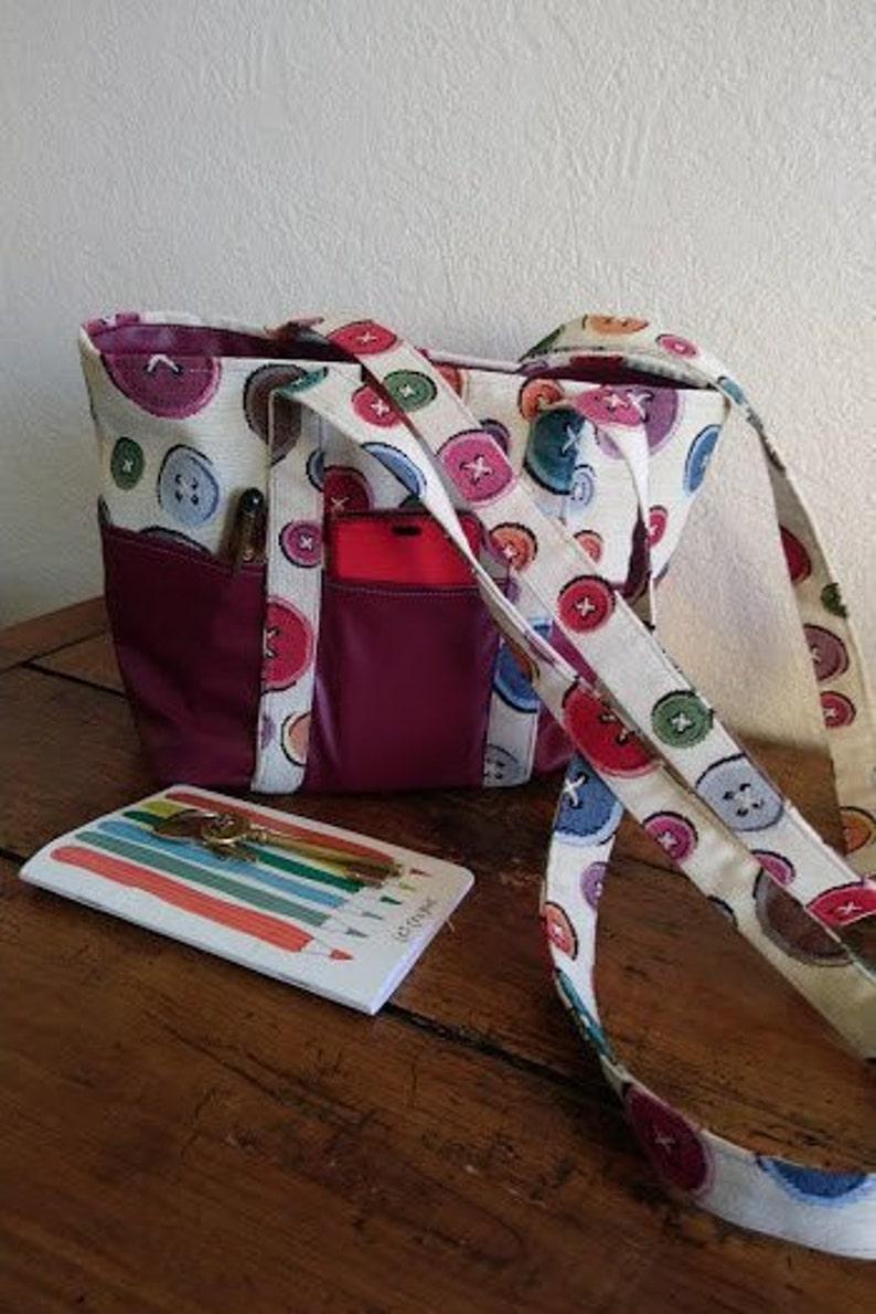 Print and Burgundy shoulder bag buttons