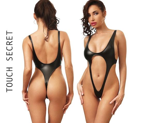 Hot black huge tits