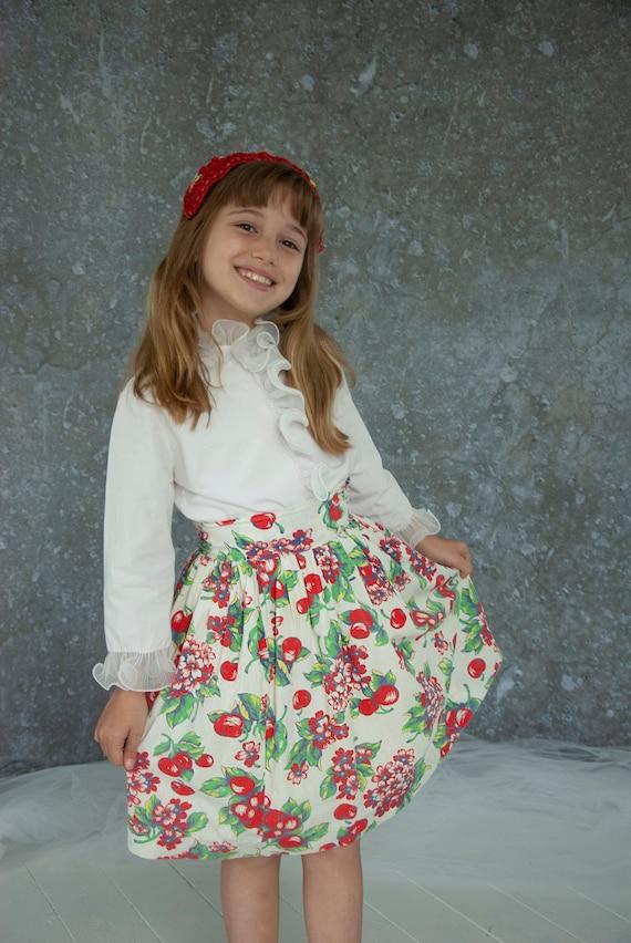 Vintage 1940s cherry skirt, novelty print red frui
