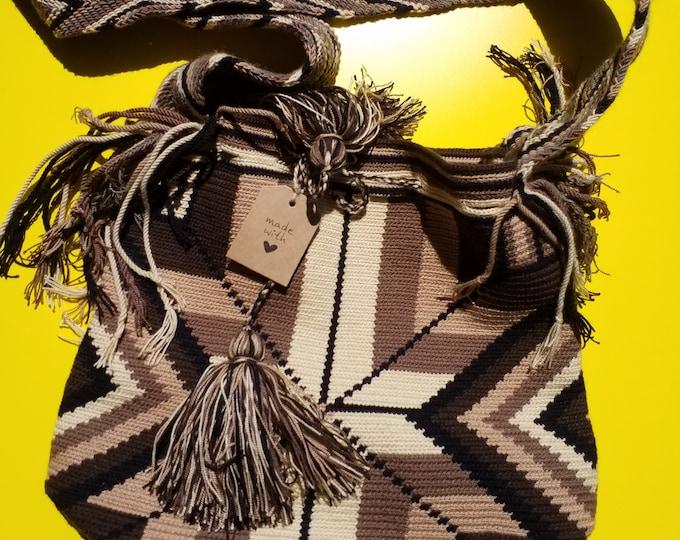 Wayu Social Project Earth bag