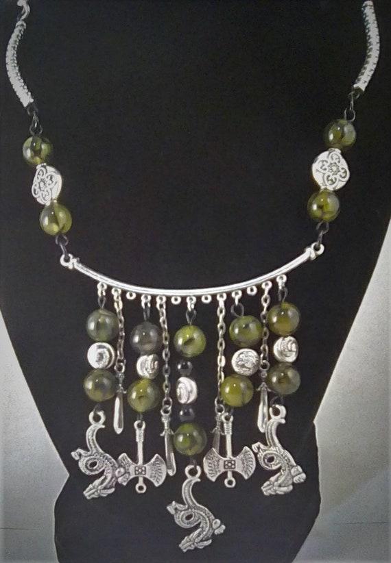 3 Necklace Set Black Dragon Veins Agate Pendant /& Floral Charm