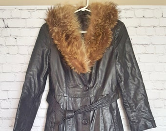 dec1737601533 Vintage 1970's leather Coat, with real fur collar, 70's vintage coat, leather  Fur coat, Ladies leather coat, lady Coat, Retro lady jacket