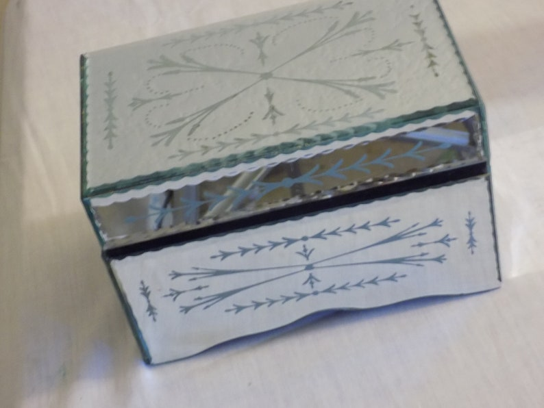 Vintage Mirrored Box Etched  4 tall /& 7 wide