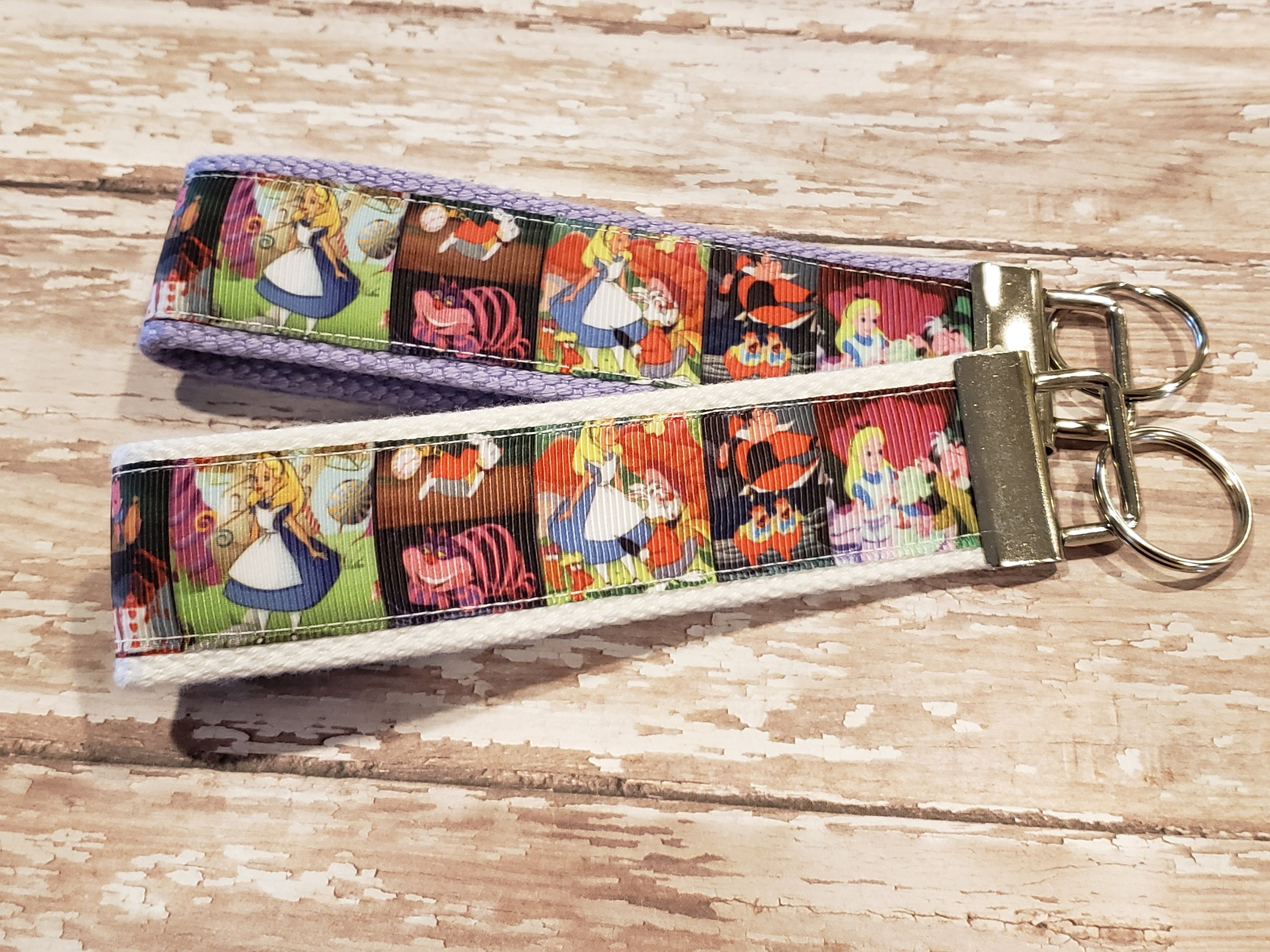 ALICE IN WONDERLAND CHESHIRE CAT KEY CHAIN CLIP FOR PURSE BAG FOB BACKPACK