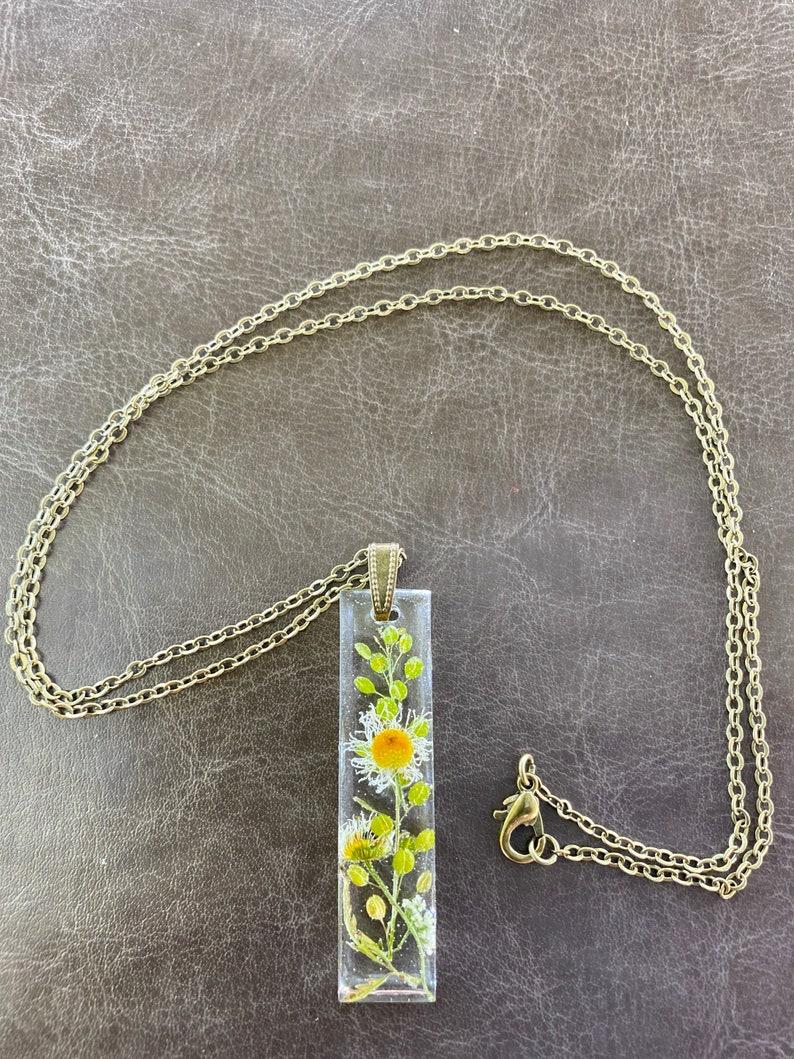 Wild flower resin necklace