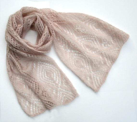 Etole ajouré tricoté main en mohair couleur nude écharpe   Etsy b578f4e71c2