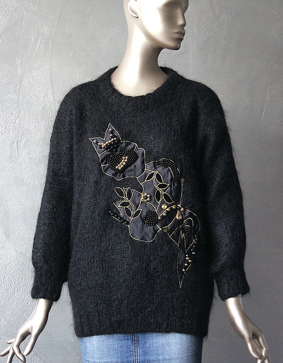 80'S black wool sweater embroidered patterns