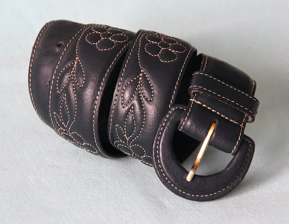 Belt 70's embroidered flowers - image 1