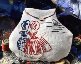 Embroidery Kit, Purse, Till we meet again, vintage linen, vintage au ver a soie threads, easy quick to make for gift, present