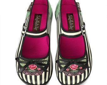 5a8c6fb2d0131 Funky flat shoes | Etsy