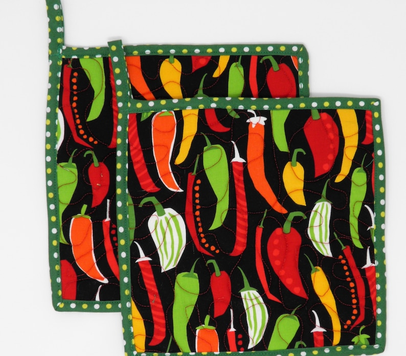 2 XThick Colorful Hot Pepper Pot Holders; Hot Pads; Potholders; Quilted Pot Holders; Handmade Pot Holders; Hostess Gift; Food Gift; Trivet;
