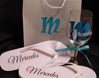 00960e52ff426 Bridesmaid gift ideas bridesmaid toasting glass personalized bridesmaid  flip flops bridesmaid tote bag glass set wedding flip flops