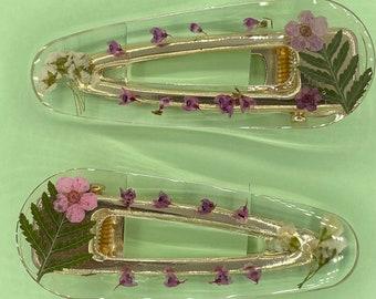 Set of resin flower hair clips