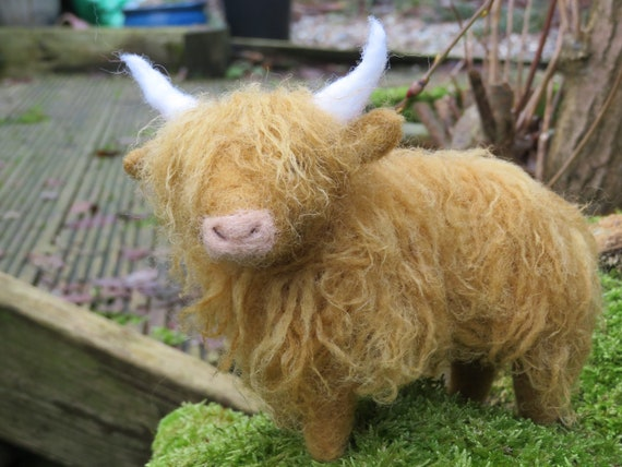 Needle Felted Highland Cow woolfelt cow coo ornament realistic cow
