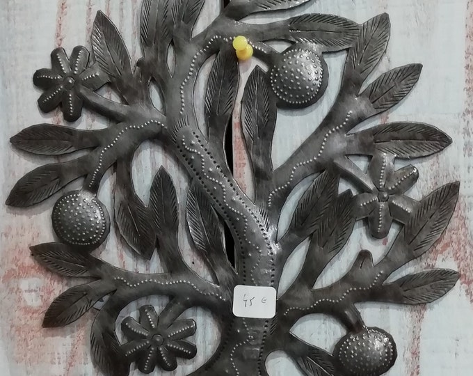 Hand-cut iron (BOSMETAL) / HAITI