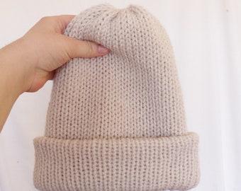 Beige knit beanie, Pom beanie, grey beanie, beanie with Pom, slouchy beanie, unisex beanie, cuffed beanie, Pom beanie, women beanie, fur Pom