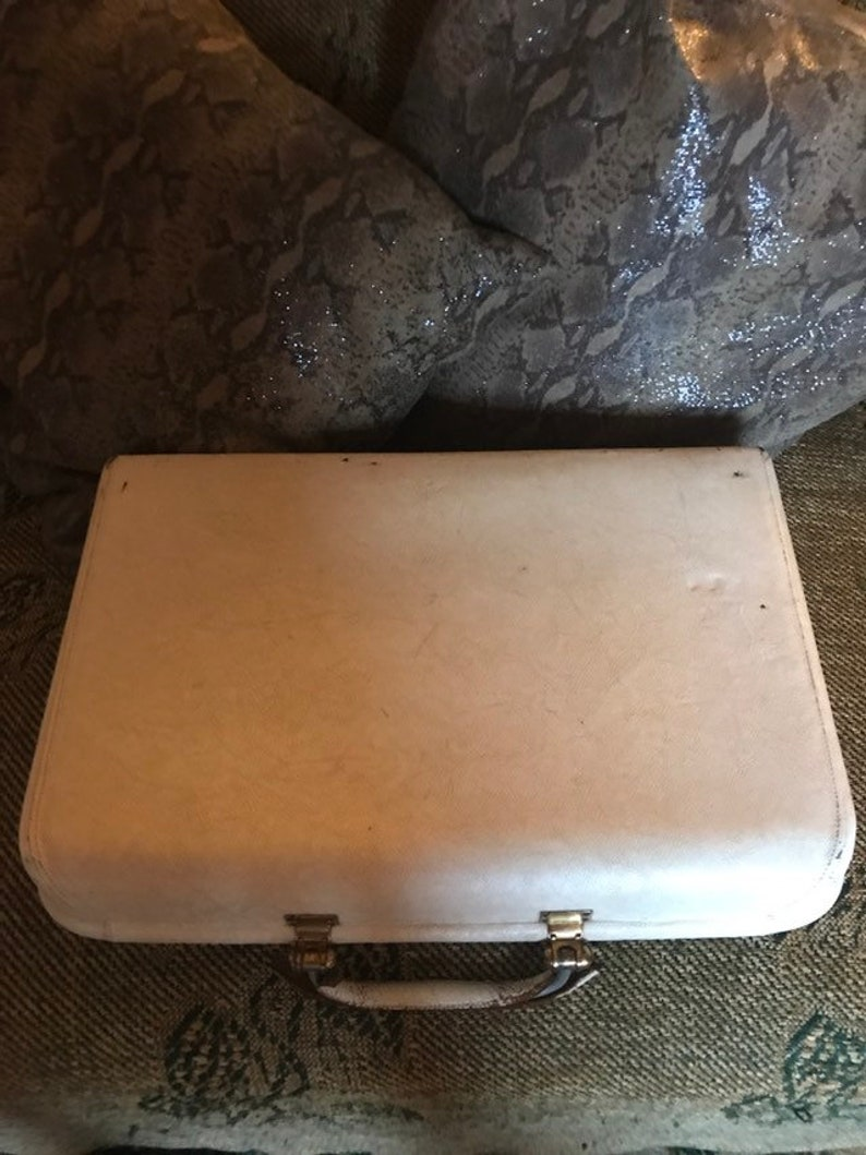 Vintage Revelation Leather Vanity Case