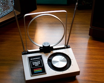 The High Score Vintage TV Antenna Gaming system Archer Rabbit Ears Retrogaming Video Game