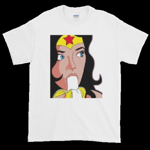 Wonder Woman CLASSIC COMIC COVERS Adult Heather T-Shirt All Sizes