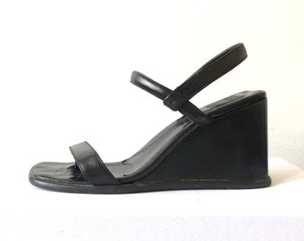 89a5e78ede27 Vintage DKNY Black Wedge Leather Sandals 90 s Early 00 s Y2K Minimalist  Prada MNZ Size 6 Square Toe Heel