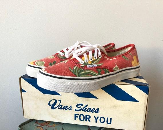 Vans Van Doren Lace Up Sneakers Hawaiian Floral Hermosilla
