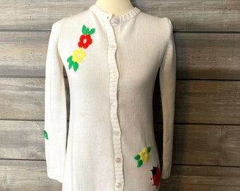 Vintage White Cardigan Women/'s Embroidered Cardigan Black Floral Cardigan Shoulder Pads Long Sleeves Button Up Medium Size Made in Finland