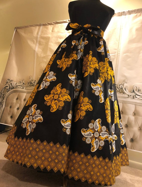 ce516e3dbc05b Black and Gold Floral Swirl Maxi Skirt One Size   African