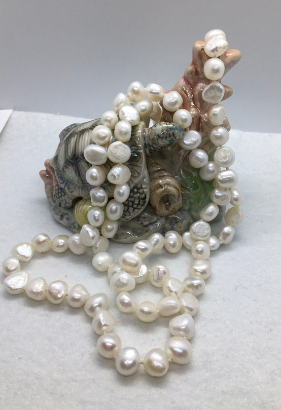 Vintage natural white pearl necklace