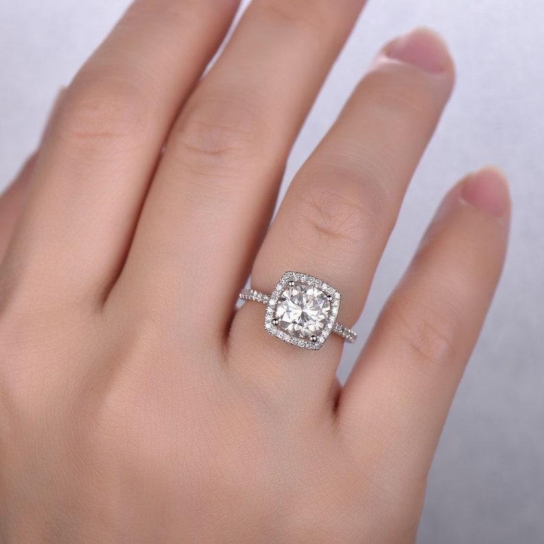 Moissanite Engagement Ring Forever One 1 5 Carat Cushion Halo Diamond Eternity Band White Gold Rings For Women 14k 18k Promise Ring